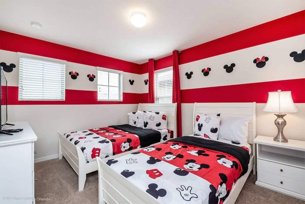 5 Amazing Disney Vacation Rental Homes With Themed Rooms Villakey Orlando Vacation Rentals